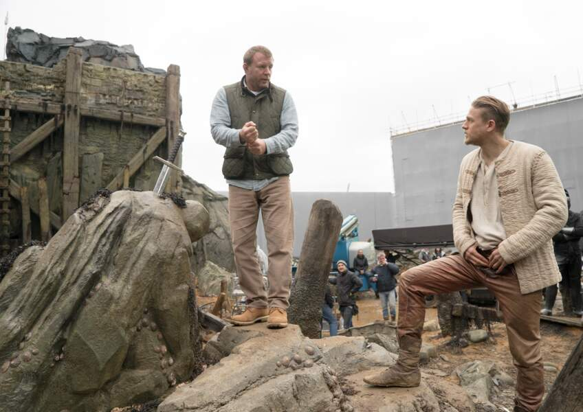 King Arthur (3/08) : Guy Ritchie et Charlie Hunnam (Arthur) sur le tournage