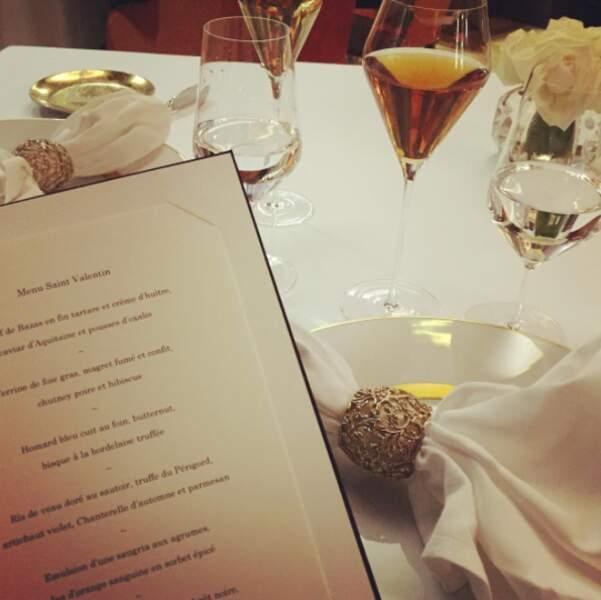 Candice ADORE manger, et Madame a des goûts de luxe ! Ici, elle dîne chez Gordon Ramsay à Bordeaux...