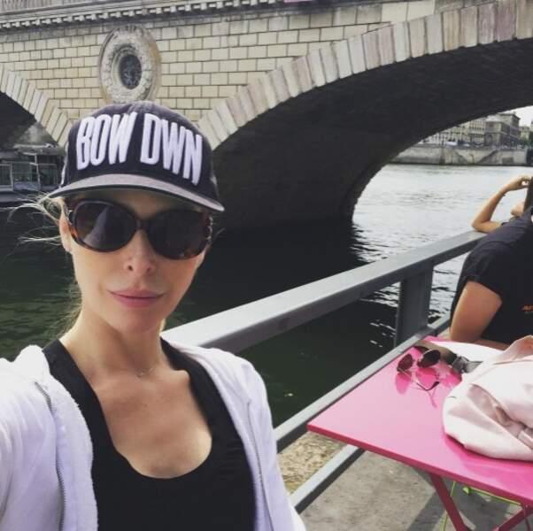Et un peu plus loin, sur les quais de Seine, vous pouviez croiser Tonya Kinzinger.