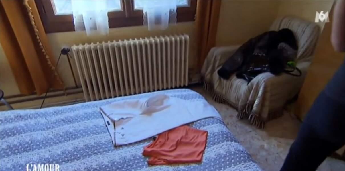Ok, Annick va tenter le pantalon blanc à la ferme.