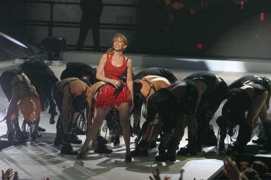 Kylie Minogue a tout le monde à ses pieds en 2004