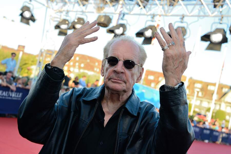 Haut les mains ! Non pas dans ce sens-là Larry !
