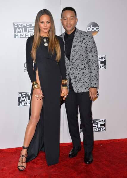 Ce dimanche soir, Chrissy Teigen posait sur le tapis rouge des American Music Awards avec son John Legend.