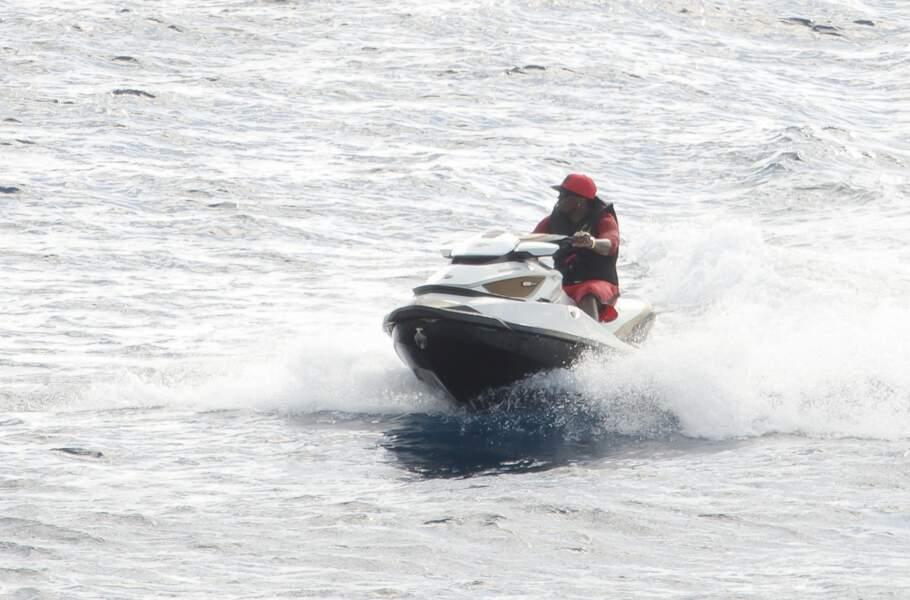 Le jet-ski a beaucoup de succès chez les people. N'est-ce pas Puff Diddy ?