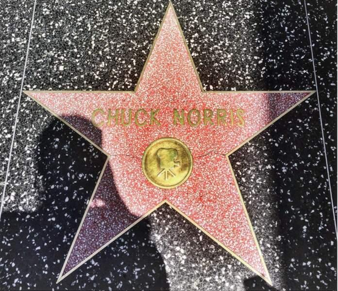 Sur Walk of Fame, l'étoile de Chuck Norris, une vieille histoire