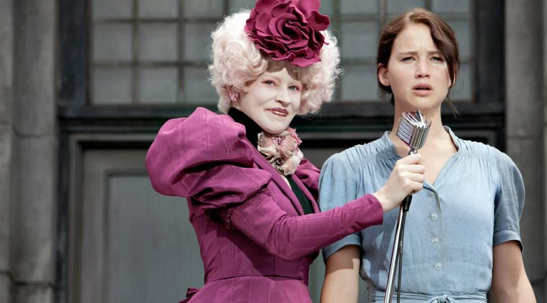 Elizabeth Banks et sa coupe extravagante dans la saga Hunger Games (2012)