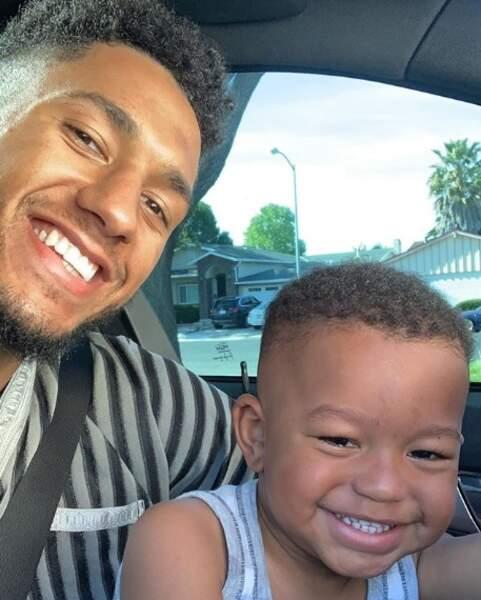 Et selfie père-fils pour Tony Yoka et Ali.