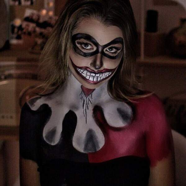 Quelqu'un pour dire à EnjoyPhoenix que Halloween n'est qu'à la fin du mois ? Merci.