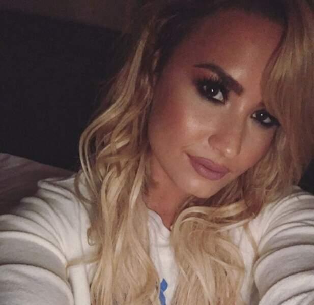 Côté cheveux, le blond avait la cote ! Chez Demi Lovato...