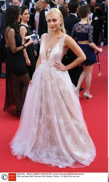 L'actrice - top model Lee Levi ! Un ange passe...