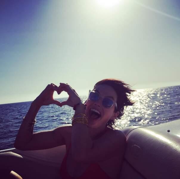 Vent + bateau = love pour Lena Headey (Game of Thrones).