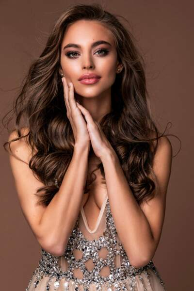 Enikő Kecskes, Miss Hongrie
