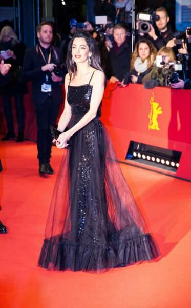 La femme de George a fait sensation avec sa robe vintage signée Yves Saint Laurent