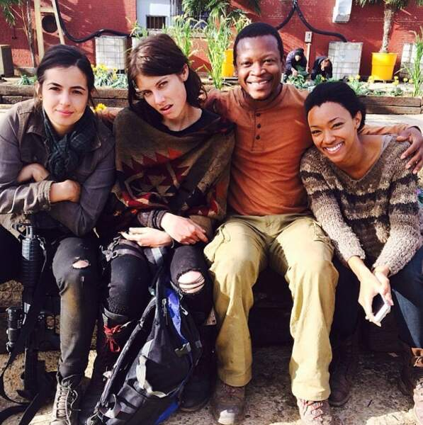 Tara, Maggie, Bob et Sasha (Sonequa Martin-Green) se la coulent douce au Terminus