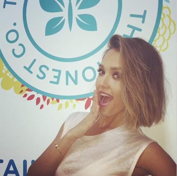 Nouvelle coupe de cheveux pour Jessica Alba. Vous aimez le court ?