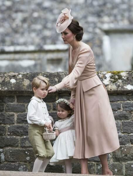 Le petit prince et sa soeur, vedettes du mariage de Pippa Middleton