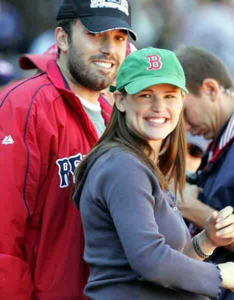 L'amour donne le sourire Jennifer... L'actrice est ici enceinte de son premier enfant (2005)