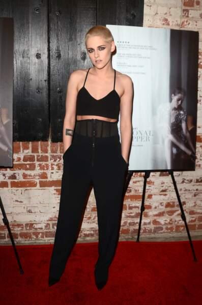 Kristen Stewart, le crane rasé lors de la première de Personal Shopper à Los Angeles en mars 2017