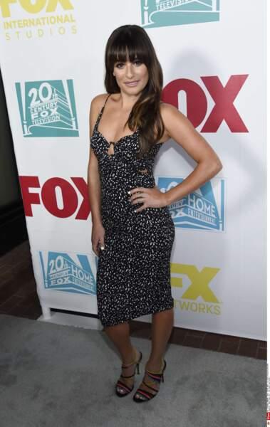 En rouge ou en noir, Lea Michele est toujours aussi classe