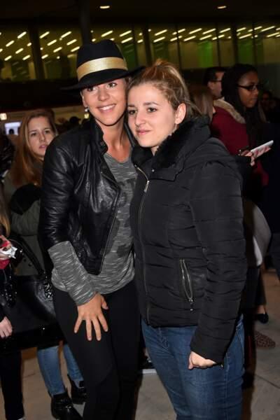 Amélie Neten a pris le temps de poser avec une fan !