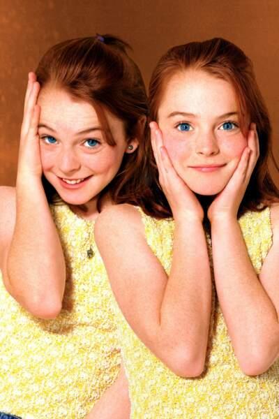 Lindsay Lohan dans A nous quatre (1998), production Disney où elle joue des jumelles séparées à la naissance !