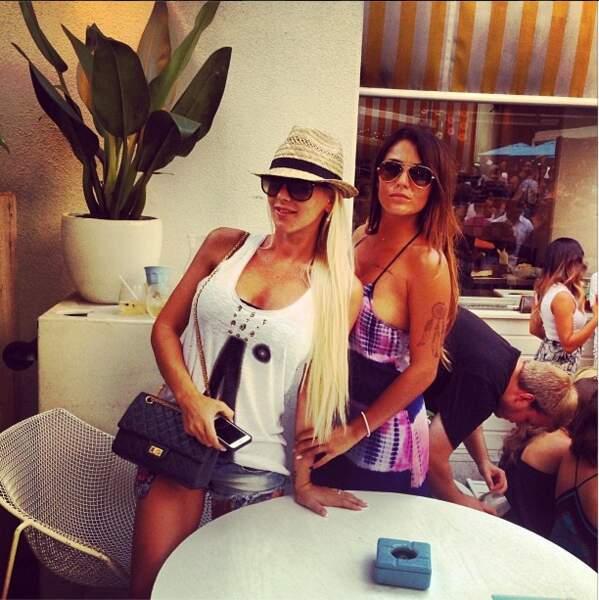 Anaïs a posté des photos souvenirs avec Amélie en Australie...