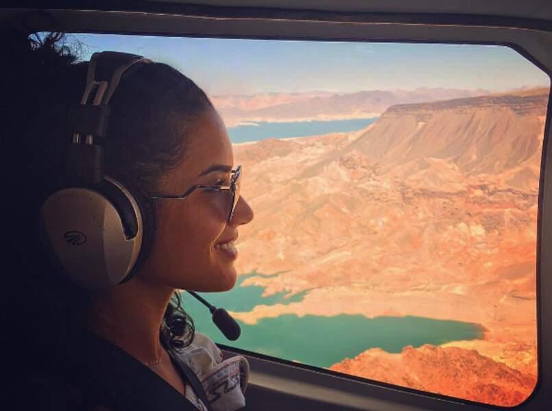 L'actrice Sabrina Ouazani a opté pour un tour en hélico au-dessus du Nevada.