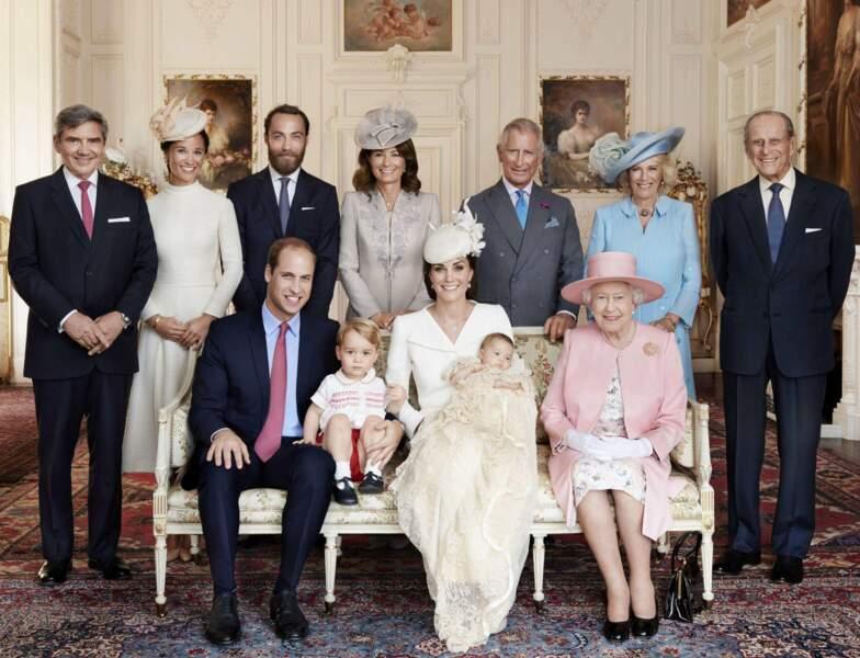 Et puis elle est bien cette Kate, elle donne deux héritiers : George en 2013 et Charlotte en 2015