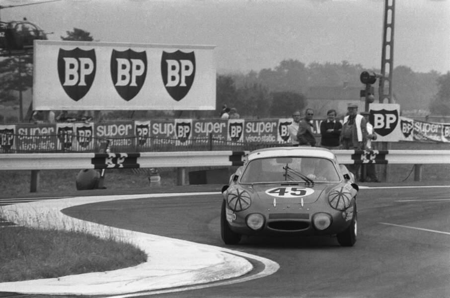 Amateur de courses automobiles, il a notamment participé aux 24 heures du Mans en 1969