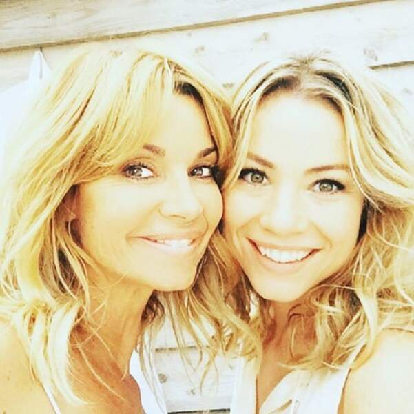 Trois autres photos en duo qu'on adore : les belles blondes Ingrid Chauvin et Maud Baecker...