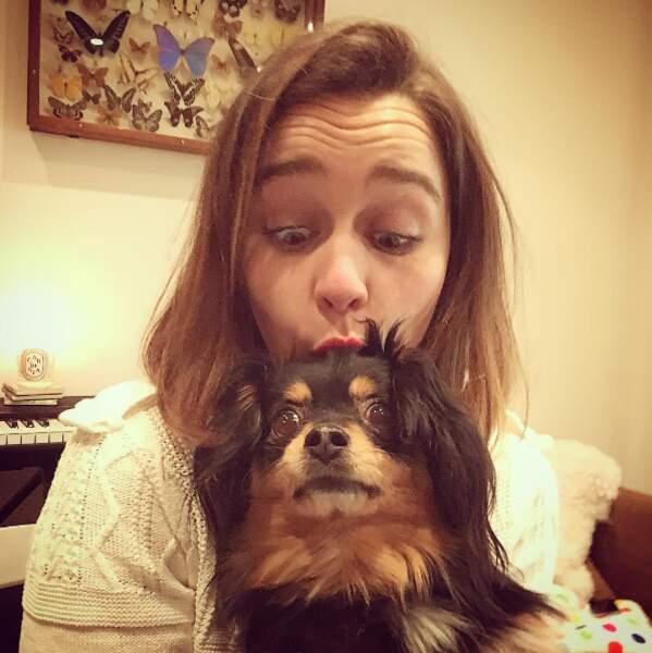 Et puis elle adore les petits chiens trop choux