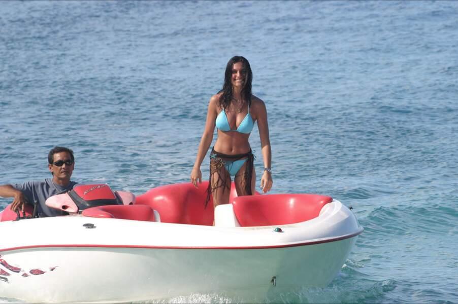 """En 2004, la torride """"Camille"""" fait son apparition dans Opération séduction aux Caraïbes (M6)"""