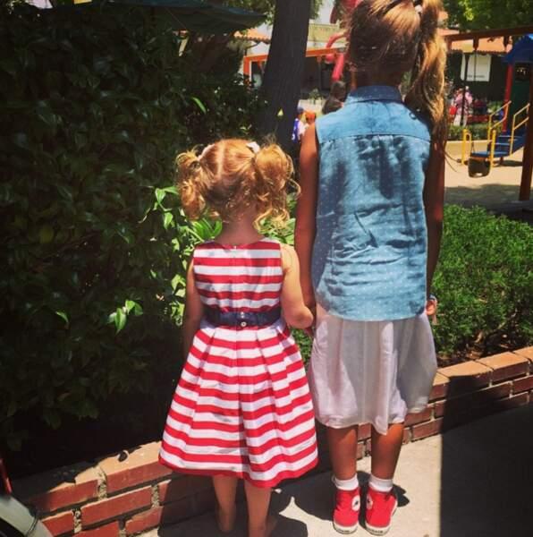 Ses filles se sont mises aux couleurs des États-Unis !