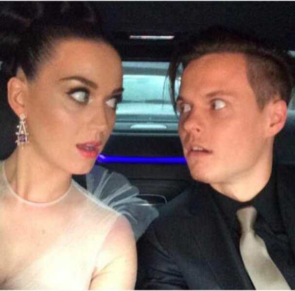 Autre duo : Katy Perry et son frère David, qui nous offrent un moment freaky