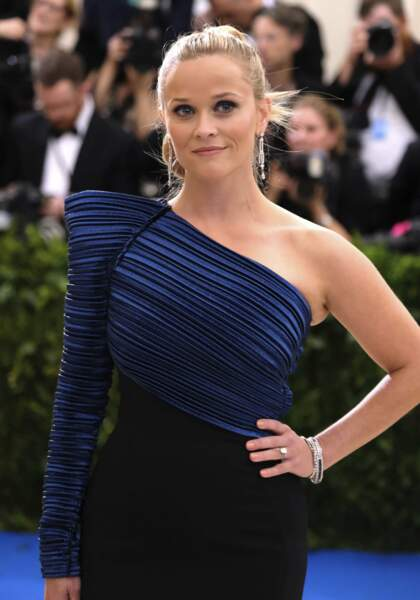 Reese Witherspoon chic!
