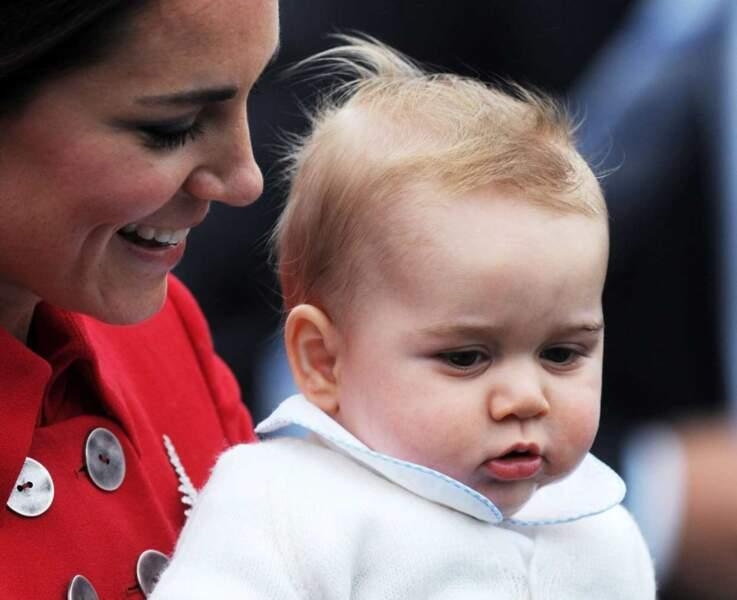 Est-ce qu'il ne vous rappelle pas un peu son père le prince William au même âge ?