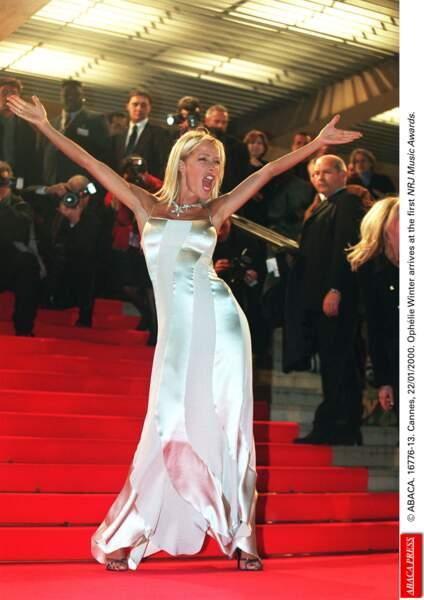 Pour la première année des NRJ Music Awards, en l'an 2000, Ophélie Winter était la maîtresse de cérémonie.