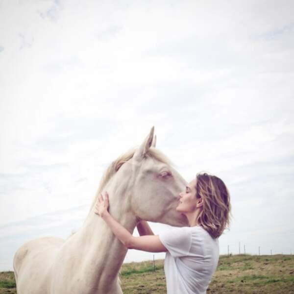 Camille sait parler à l'oreille des chevaux...