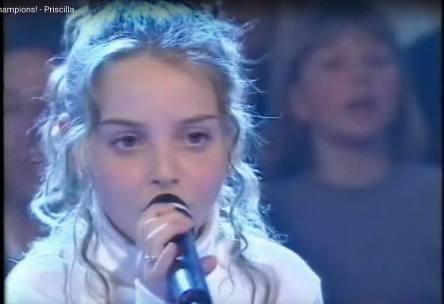 Et cette autre petite bouille, vous la reconnaissez ? C'est Priscilla dans Drôles de petits champions, en 2001 !