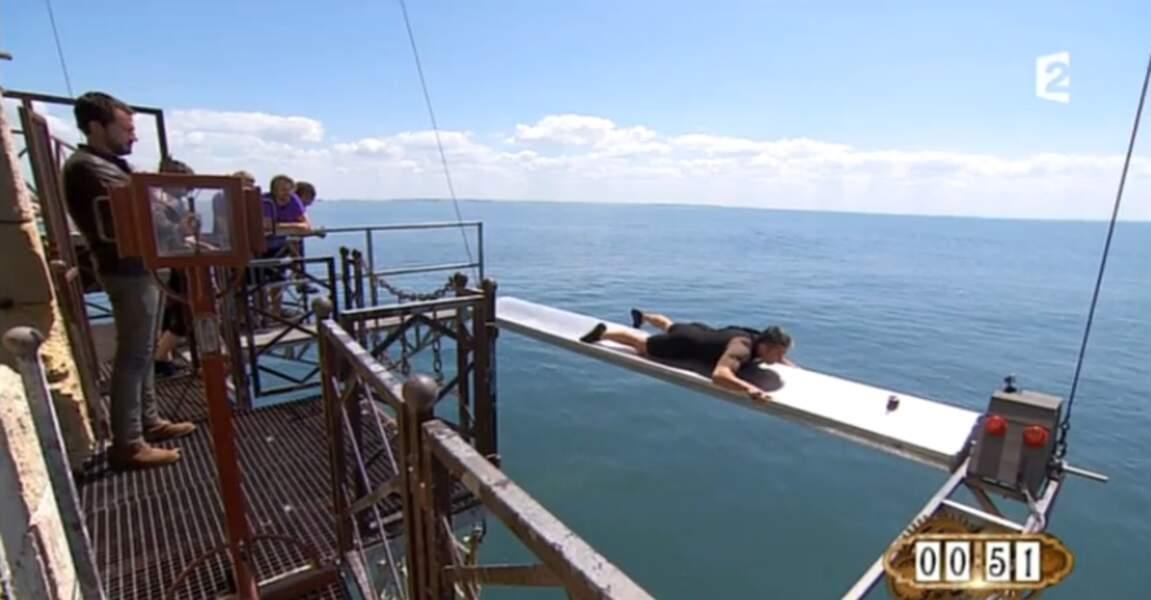 Incroyable mais vrai, il escalade une hélice à 5 mètres au dessus de l'Atlantique (ça ne s'invente pas)