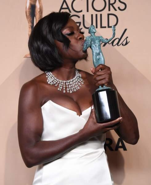 Viola Davis est, elle, ravie d'être repartie avec la statuette de meilleure actrice au cinéma pour Fences