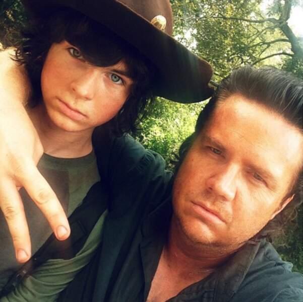 Chandler Riggs et Josh McDermitt ou la joie de vivre.