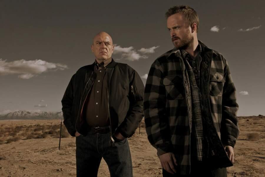 Mais que fait Hank dans le dos de Jesse ?