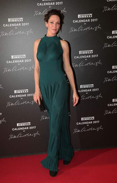 Uma Thurman, belle dans sa sculpturale robe verte