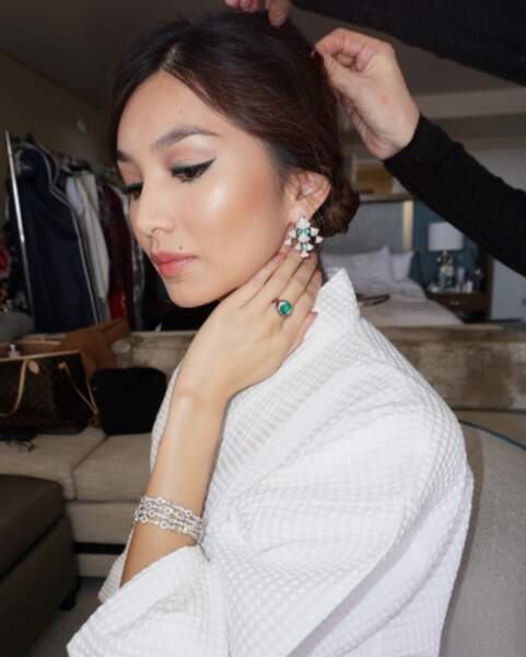Et elle a mis ses plus beaux bijoux