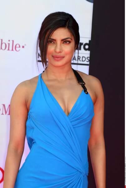 Priyanka Chopra maquillée, elle est sublime...