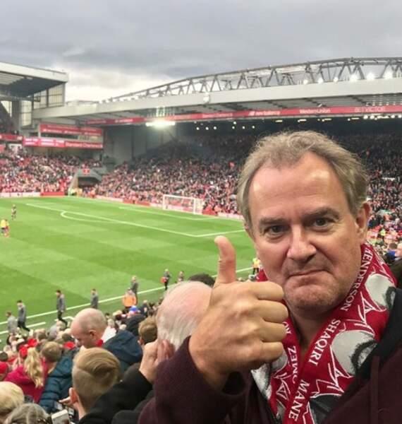 L'acteur Hugh Bonneville était super content d'assister à un match de Liverpool.