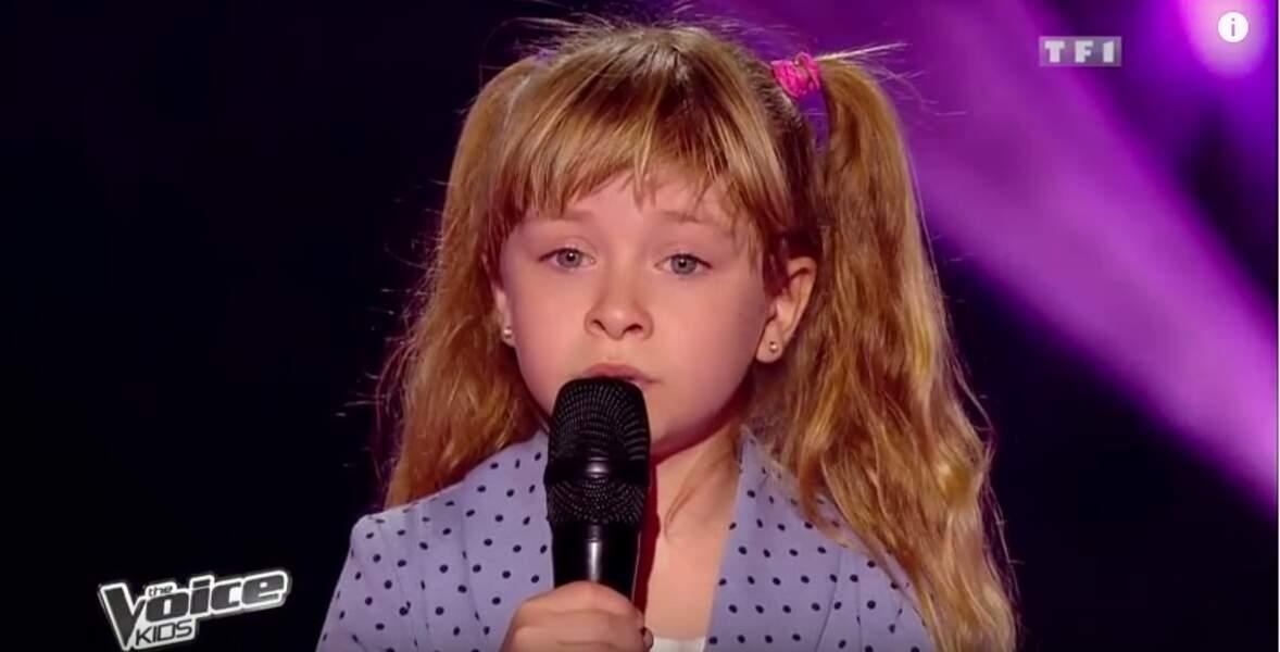 À 6 ans, Gloria participe la même année à The Voice Kids
