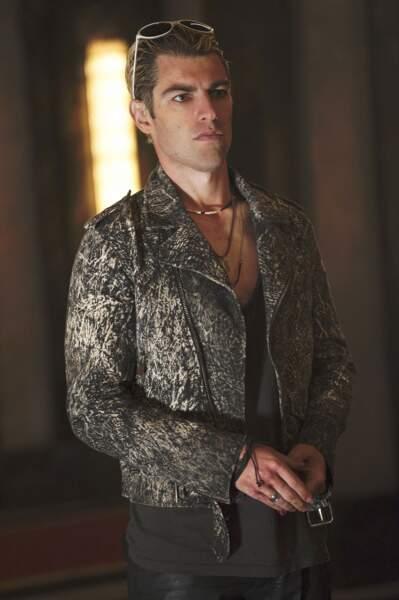 Max Greenfield dans la saison 5 : Hotel