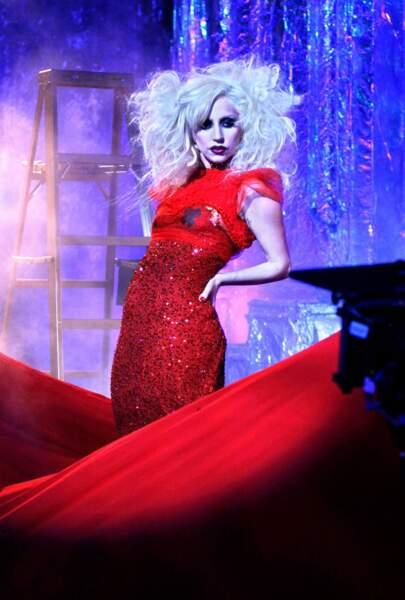 Mais même les actrices de Gossip Girl ne peuvent rivaliser face à Lady Gaga, guest star dans la saison 3
